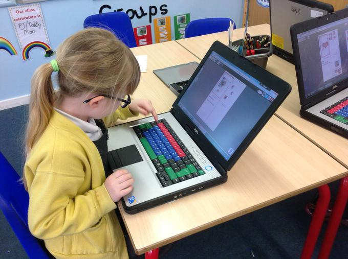Using ICT to make Mother's Day cards