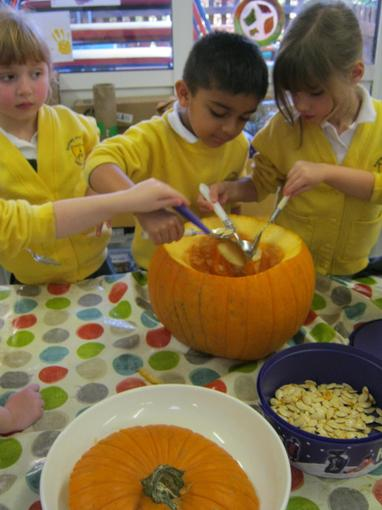 Preparing the pumpkin for Cook Jo