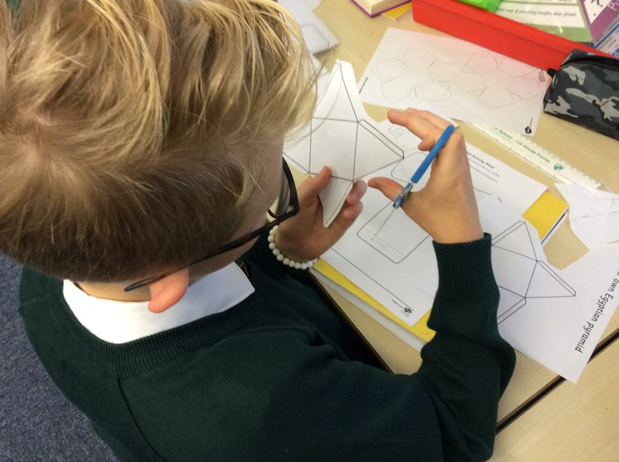 What 3D shape is Sonny making?