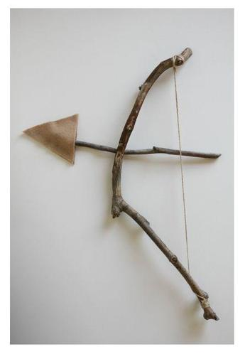 Make your own bow & arrow from twigs!