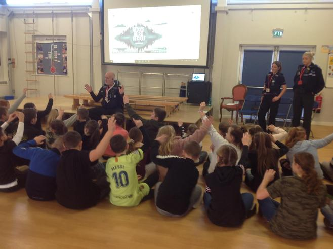 PC Croshaw delivered a PPT presentation to Y6