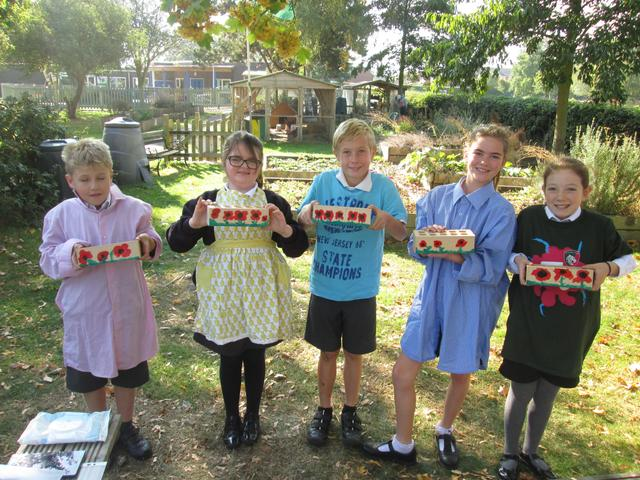 Year 5 painting poppies - Oct 2018