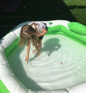 Floating and sinking experiement