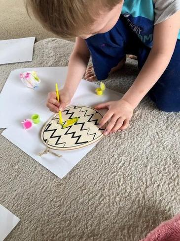 Concentrating and using motor skills