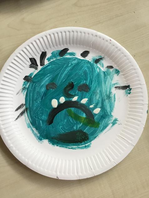 A paper plate troll.