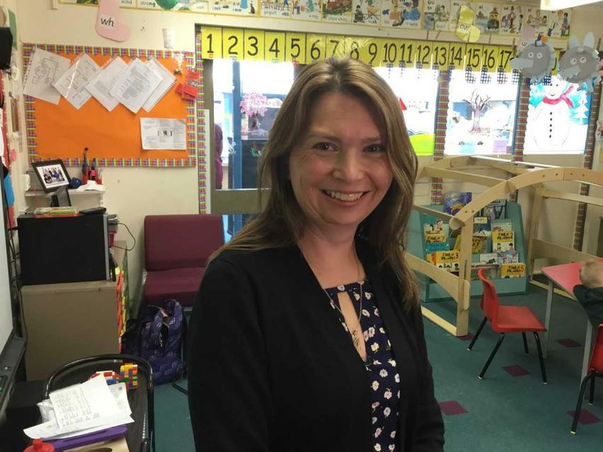 Mrs Nicki Drew - LSA supporting in mainstream classes