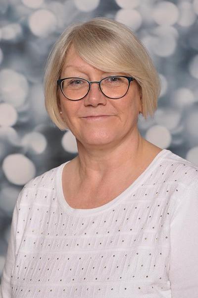 Mrs Pratt -  KS2 Teaching Assistant