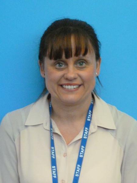 Mrs Lewis- Year 6 TA