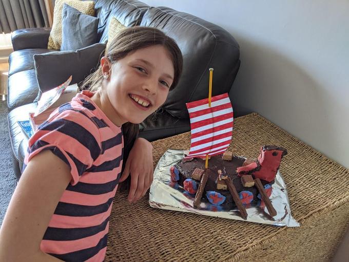 ...wow! Look at that Viking longship cake!