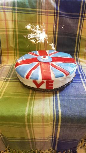 Rosemary has baked a VE Day themed cake!