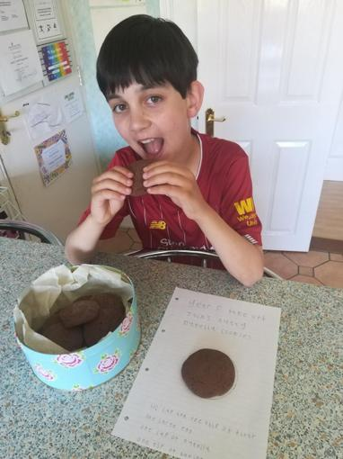 ...look at those yummy Nutella chocolate cookies!