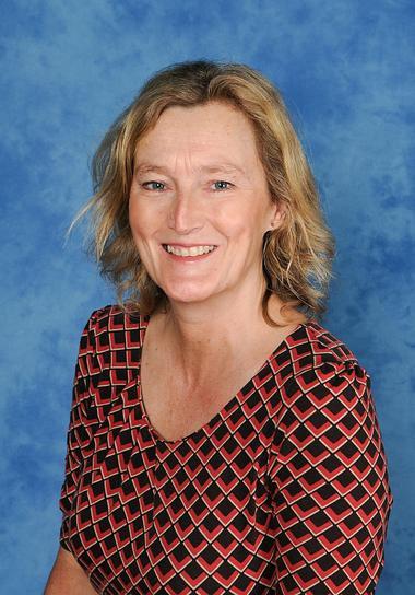 Mrs Paula Norris
