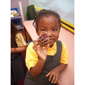 Making patterns and decorating pine cones