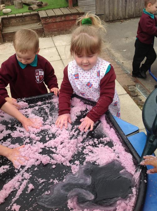 We predicted what would happen to the powder if we added water and made our own Jelly Snow