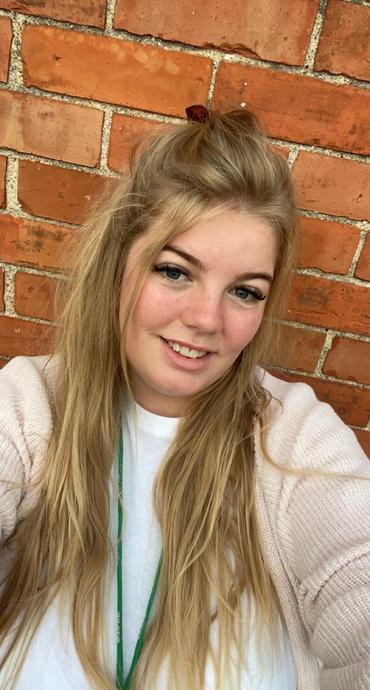 Miss Amy Kendall - Apprentice TA