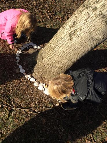 Creating art in nature in the style of Goldsworthy