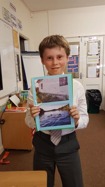 Erik showed pictures from his holiday in Sweden and Ireland.