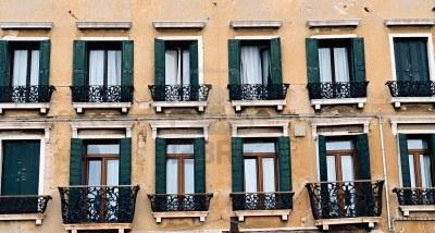 What number pattern can help you count the windows