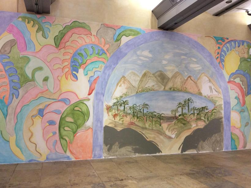 Giant murals for the passing countryside