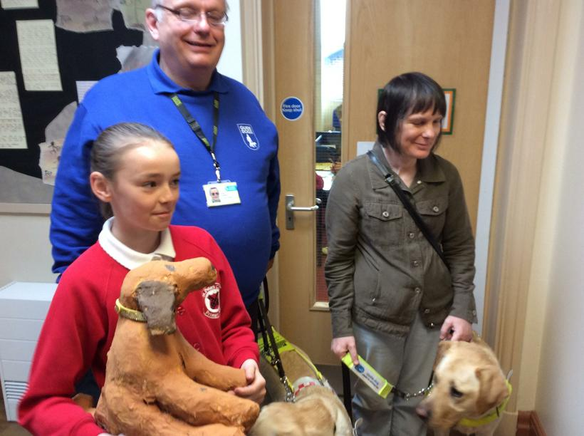 Our sculptures meet the real guide dogs