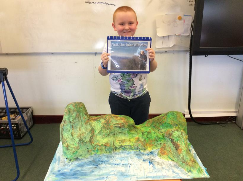 Leighton made a 3D model and wrote facts.