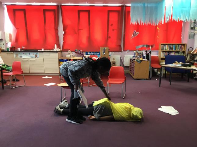 Olivia as Hannay's cleaner discovers the murdered body of Annabela