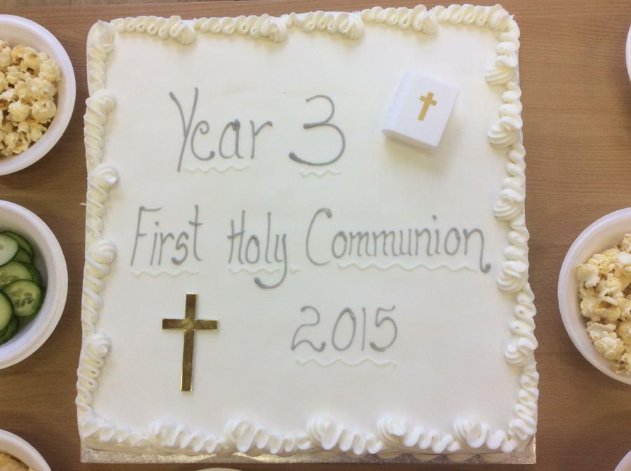 Look at our wonderful cake.  Mmmmm!