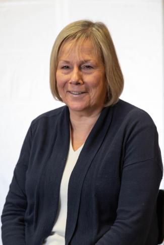 Mrs M Davies