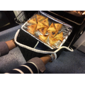 Samosa tasting: fresh out of the oven