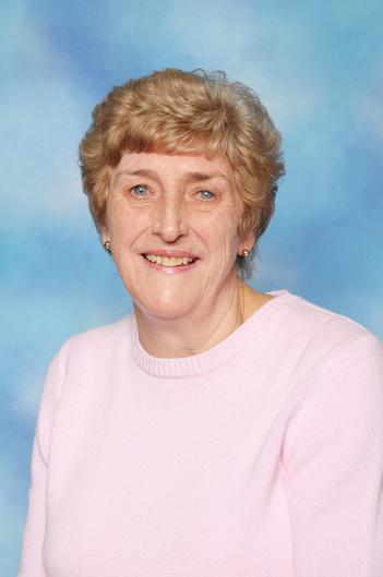 Mrs Reeves (Senior Midday Supervisor)