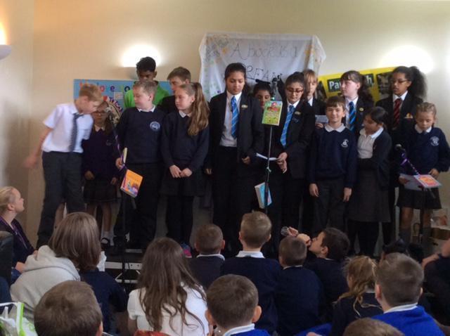 Collaborative poem reading.