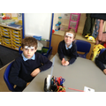Children play name the 3D shape.