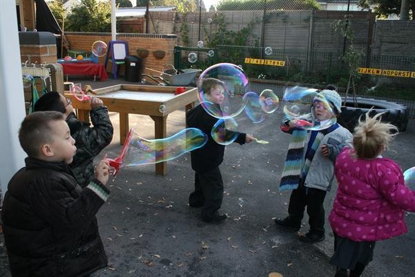 I can make big bubbles
