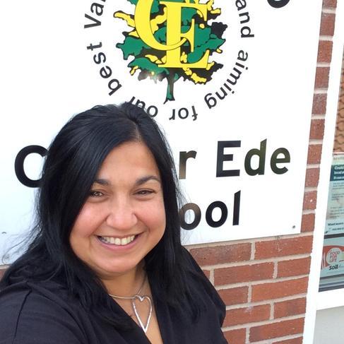 Mrs B Hunter - Head Teacher