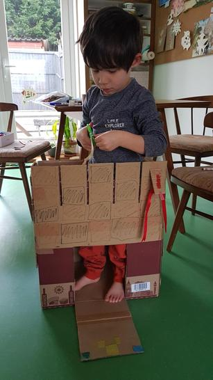 Look at this amazing cardboard fortress !