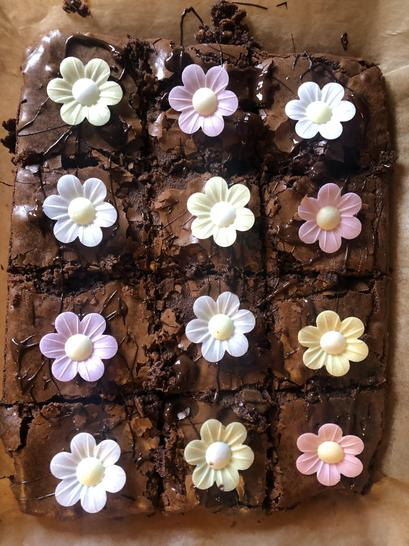 What beautifully delicious looking brownies Darcy!