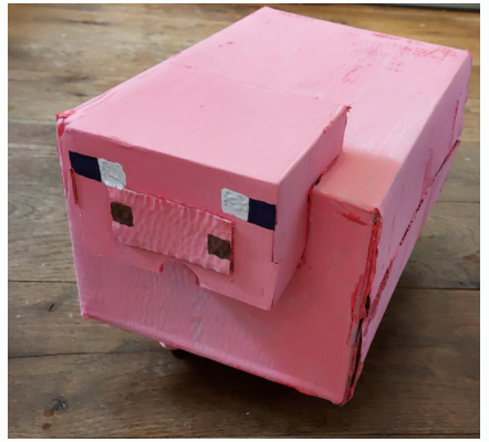 Wow! Look at this amazing Minecraft pig!