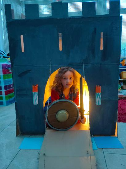 An incredible castle for the cardboard box challenge!