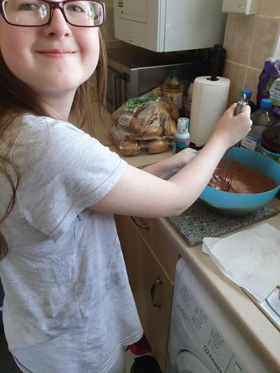 Eva-Leigh baking...