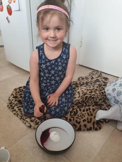 Daisy enjoyed making salt crystals with her sister