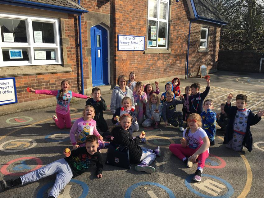 We enjoyed eating cakes in sun after swimming!