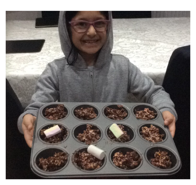 Ayla is baking delicious cakes