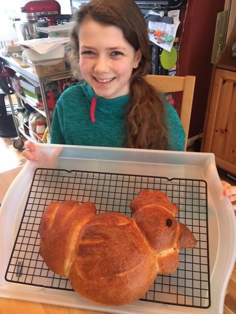 Fantastic chicken-shaped bread !