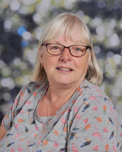 Mrs C Munday