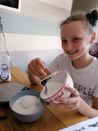Lara Mummifying her apple