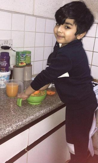 Irtaza is making orange juice!
