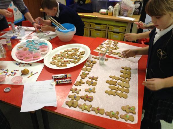 Gingerbreadn Men production line