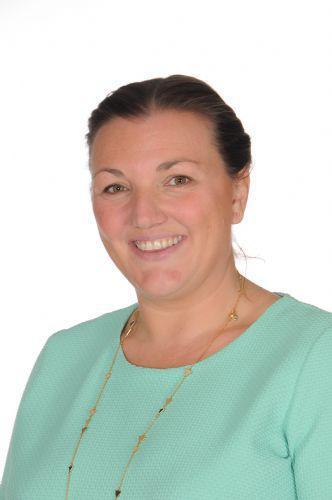 Yr 6 Teacher & KS2 Leader - Mrs R Jones