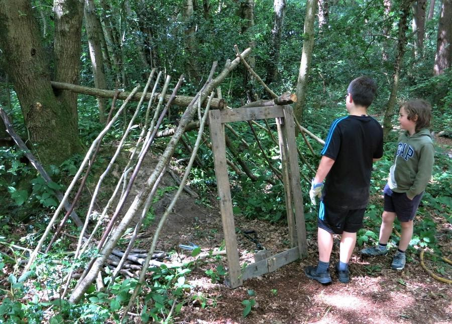 Den building teamwork