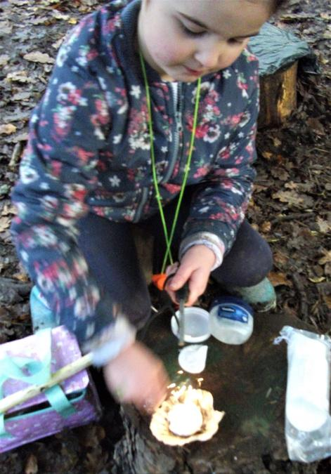 Time to make a fairy fire in a scallop shell